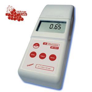 Fotómetro para la determinación de COBRE en el análisis de Vino.